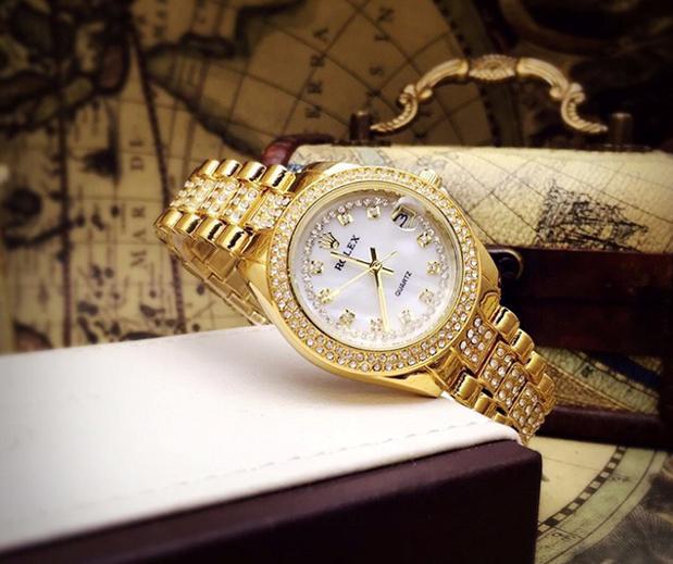 Tặng đồng hồ cho vợ